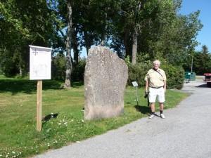 Runenstein und Autor